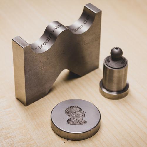 Gravierte Metallteile von Procim